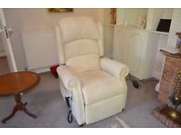 Riser / Recliner Mobility Chair - Very Good Quality