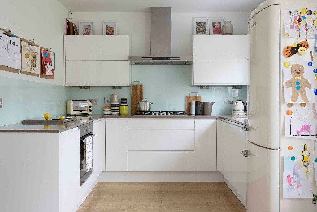 White Gloss Kitchen Door Fronts: White Gloss Handleless Kitchen Doors, Drawer Fronts