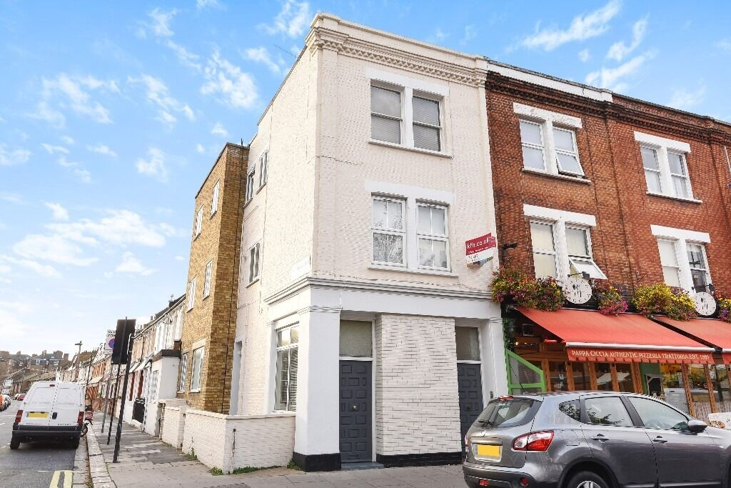 A lovely, bright one bedroom flat located within the heart of Munster Village, Munster Road, SW6