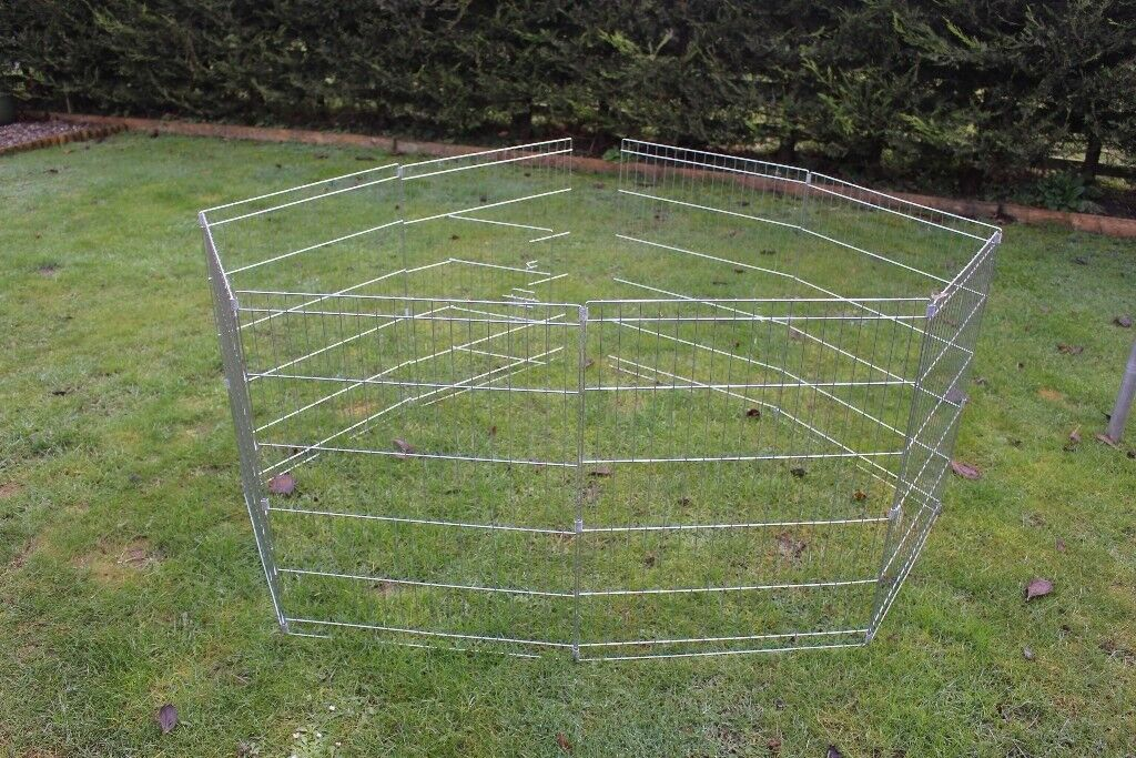Pet cage/run.Use indoors or outside,