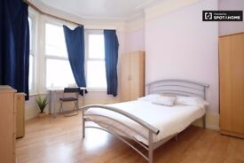 *R** DOUBLE ROOM IN MANOR HOUSE 160 PW ALL BILLS INCLUDED