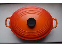 Le Creuset Classic 27cm Oval Cast Iron Casserole Dish