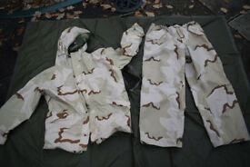 Reversible US Goretex Woodland / Desert Jacket And Trousers (Large)