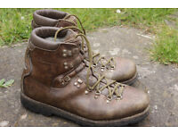 Walking boots - leather, size 12