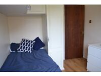 WHITECHAPEL, SINGLE ROOM FOR RENT NEXT TO ROYAL LONDON HOSPITAL (ALL BILLS INCLUDED)
