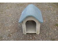 PLASTIC DOG KENNEL/CAT INDOOR OR OUTDOOR