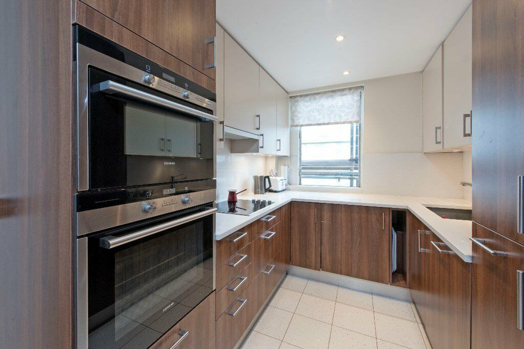 SHORT LET * TWO DOUBLE BED RIVERSIDE APARTMENT * BALCONY * FURNISHED * PARKING * INCLUSIVE HEATING