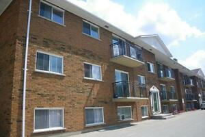 236 & 238 Kemp Crescent - One Bedroom Apartment Apartment... Stratford Kitchener Area image 4