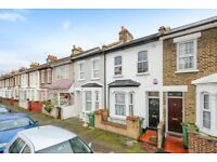 Recently refurbished 4 bed, 2 bath house in Stratford with a reception and garden LT REf: 4267703