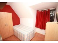 A well located, clean and tidy single room in a professional house share in East Acton, W3