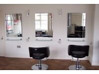 FULLY EQUIPPED HAIRDRESSERS READY TO GO PAR PL24 2BB