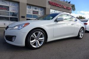 2010 Hyundai Genesis Coupe 2.0L Turbo. Premium. Leather. Roof