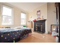 2 Bed Flat, Leopold Road, SW19. LOCATION!