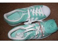 2 PR OF WOMENS TRAINERS [BRAND NEW] SIZE 6 HALF & 7 £15 A pair CASH [ADIDAS]
