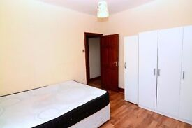 1 MASSIVE AND CHEAPER DOUBLE ROOM IN LEYTON