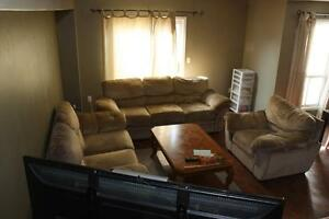 BEAUTIFUL END UNIT TOWN HOUSE Cambridge Kitchener Area image 4