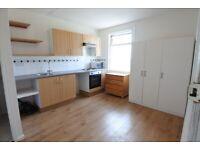 Lovely second floor studio to rent on High Street, Harlesden, NW10. Inc water bills.