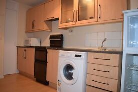 2 Bedroom Spacious Flat In Colindale NW9 – Free Parking