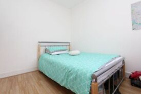 ✅Stratford area✅STUNNING room + bills included✅💚💚#MoveToday