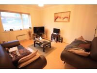 1 BEDROOM FIRST FLOOR FLAT IN ASHFORD near to shepperton sunbury staines heathrow airport feltham