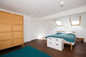 Tring Avenue. Larger Than Average Double Room To Let, Only 5min Walk Away From Ealing Common Tube.