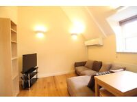 **Spacious 2 bedroom flat in gated house close to Turnpike Lane and Hornsey Station only £1450pcm!**