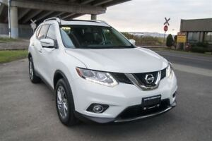 2014 Nissan Rogue SL Only 33000 KM, Power Lift Gate, All Wheel D