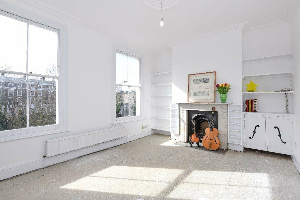 LOVELY TWO BED WITH CHARACTER - AVAILABLE NOW! NO AGENCY FEE!