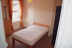 Double bedroom in Leyton
