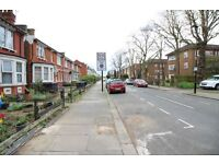 1 bedroom flat in *Dss/Housing Benefit Welcome* Palmerston Road, Wood Green, N22