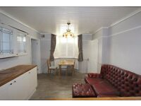 ****** 3 X SELF CONTAINED FLATS - Southgate N14 ******