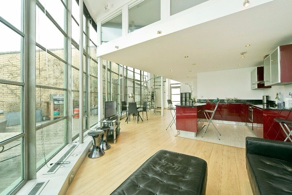 EXCEPTIONAL 2 DOUBLE BEDROOM APARTMENT WITH TERRACE SET IN A SOUGHT AFTER PORTERED BUILDING IN NW1