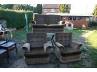 2 SEATER SETTEE WITH 2 MATCHING CHAIRS