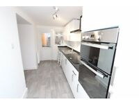 Newly refurbished modern 3 bed flat minutes from Temple Meads - PET FRIENDLY