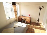 LOVELY CHEAP TWIN ROOM TO RENT IN MANOR HOUSE OPPOSITE THE TUBE STATION. 13M