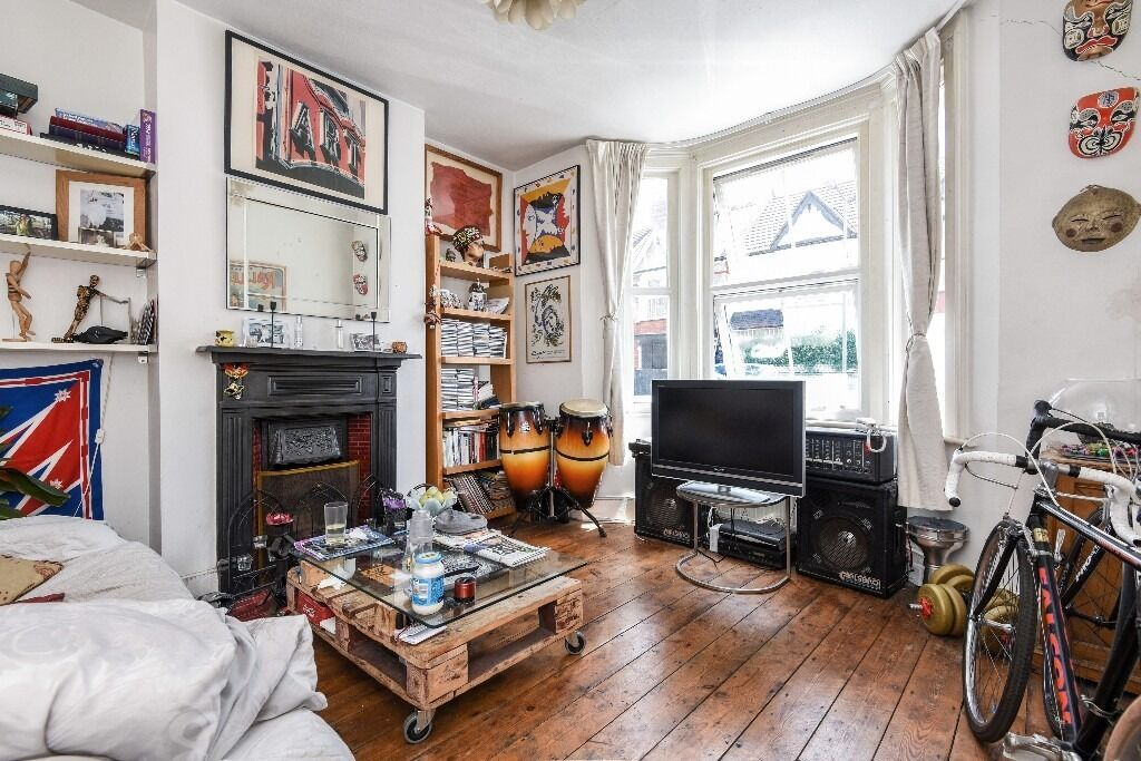 One Double Bedroom Flat With Private Rear Garden On Valnay Street, London, SW17, £1350 per month