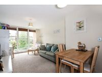 Modern 1 Bed Apartment Close to Southside Shopping Centre SW18 Available 20th October £1550pcm