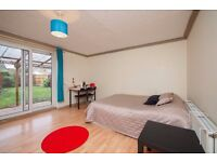 BECKTON TWO ROOMS AVAILABLE