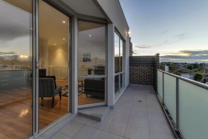 One bedroom w/ build-in wardrobe for rent in Ashwood Ashwood Monash Area Preview
