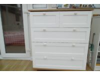 3+2 5drawer chest with simulated oak top and bottom and white drawers