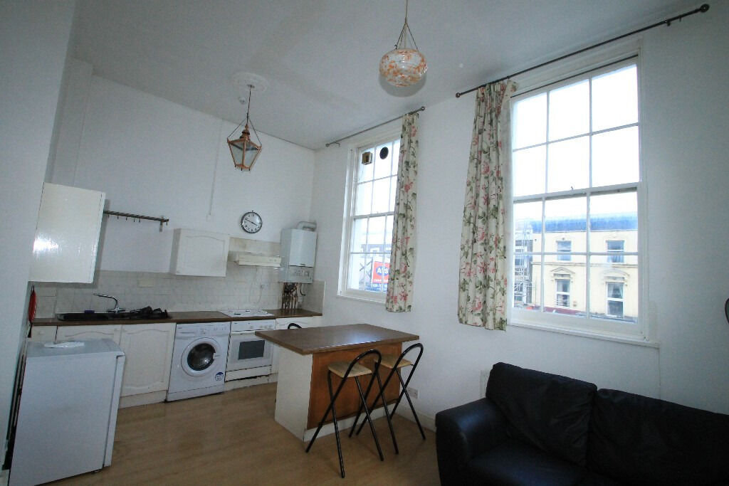 Beautiful One Double Bedroom Flat With Amazing Living Room Kitchen In Islington N1