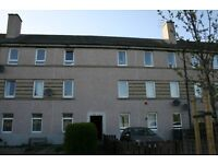 Spacious Furnished Ground Floor Flat at 71 Stevenson Drive Stenhouse with own Driveway