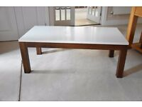 MODERN COFFEE TABLE. Immaculate condition