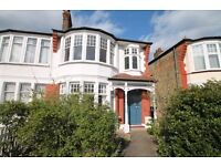 SPACIOUS EDWARDIAN TWO BEDROOM FLAT TO LET, CLOSE TO PALMERS GREEN'S SHOPS AND STATION