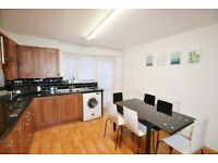 ALDGATE EAST, E1, LOVELY, LIGHT AND AIRY 4 BED - 2 BATH TOWN HOUSE