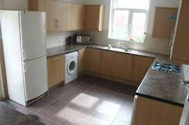 4 bedroom house in Monthermer Road, Roath, Cardiff, CF24 4QY