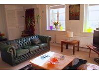 Double room in Georgian four storey house SE5 £770 inc bills