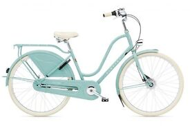Beautiful Electra Amesterdam The Royal 8i in aquamarine with basket + liner - in very good condition