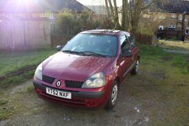 Renault Clio (2002) RED Manual Petrol 1149 cc 73,000m