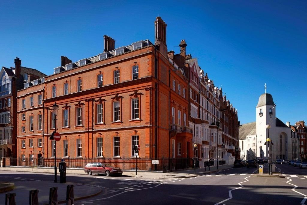 3 Person Office Space in Pont Street London SW1X | Premium Serviced Offices